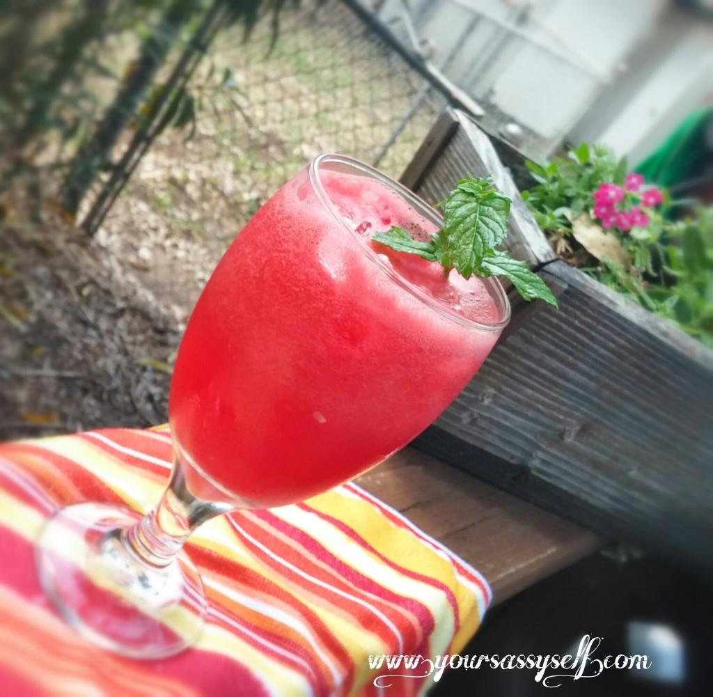Watermelon Water - Agua de Sandia - yoursassyself.com