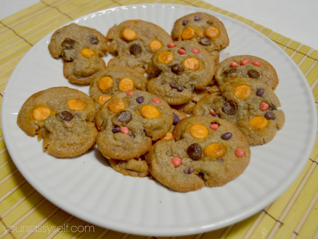 Decorated chocolate chip sugar skull cookies - yoursassyself.com