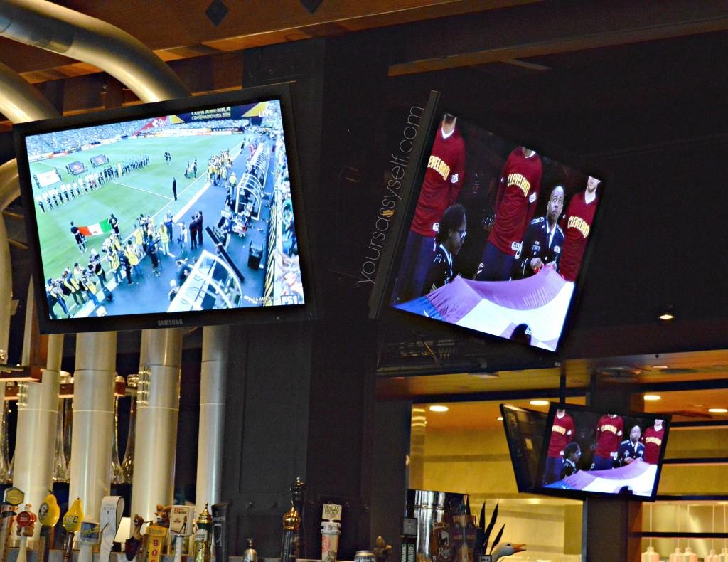 Big Screens Showing Games at Yard House - yoursassyself.com