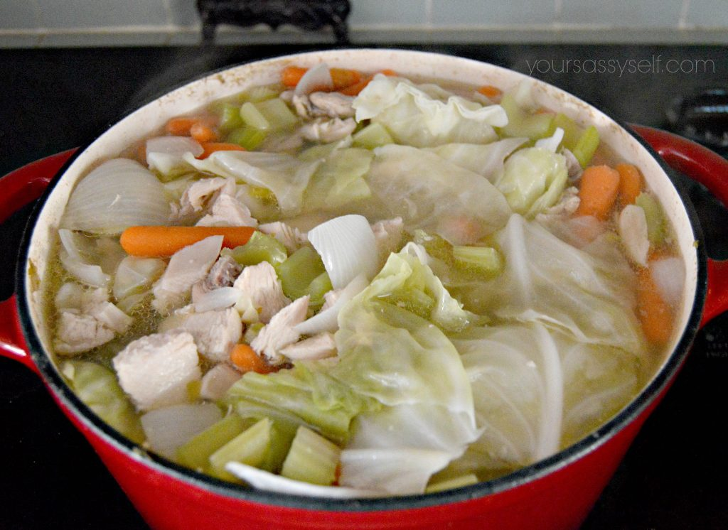 adding-chicken-into-chicken-soup-yoursassyself-com