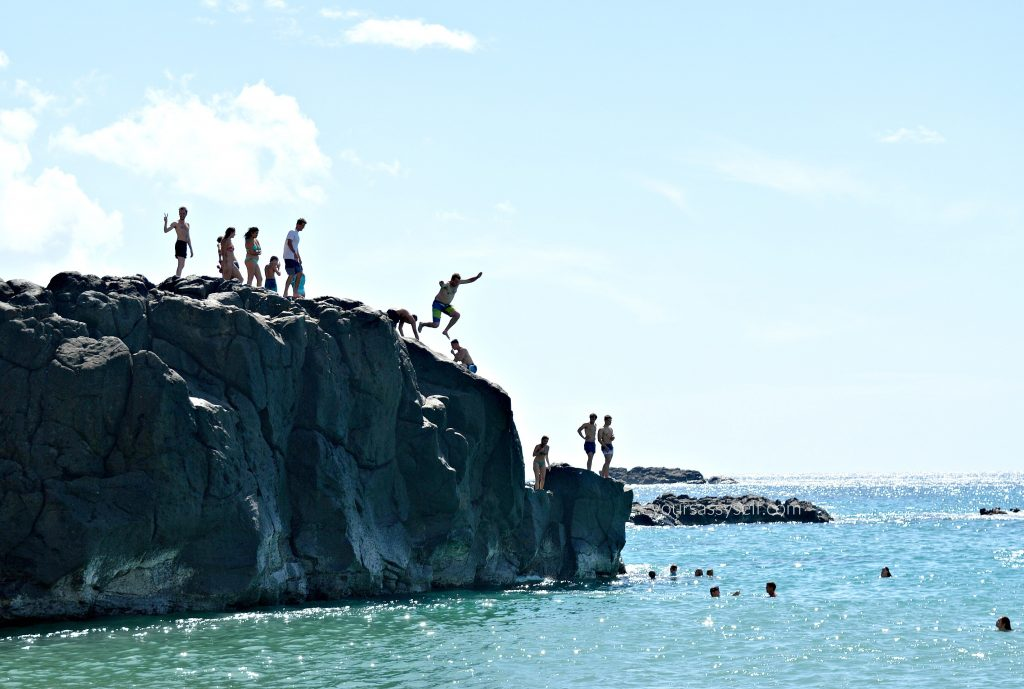 Cliff Jump at Waimea Bay - yoursassyself.com