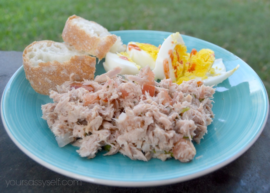 Plate with bread, eggs and tuna - yoursassyself.com