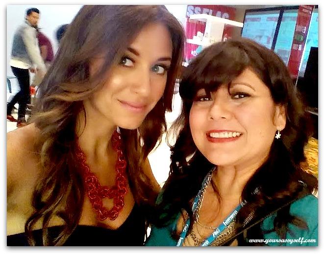 @COVERGIRL Celebrity Makeup Artist Mariela Bagnato #HISPZ14