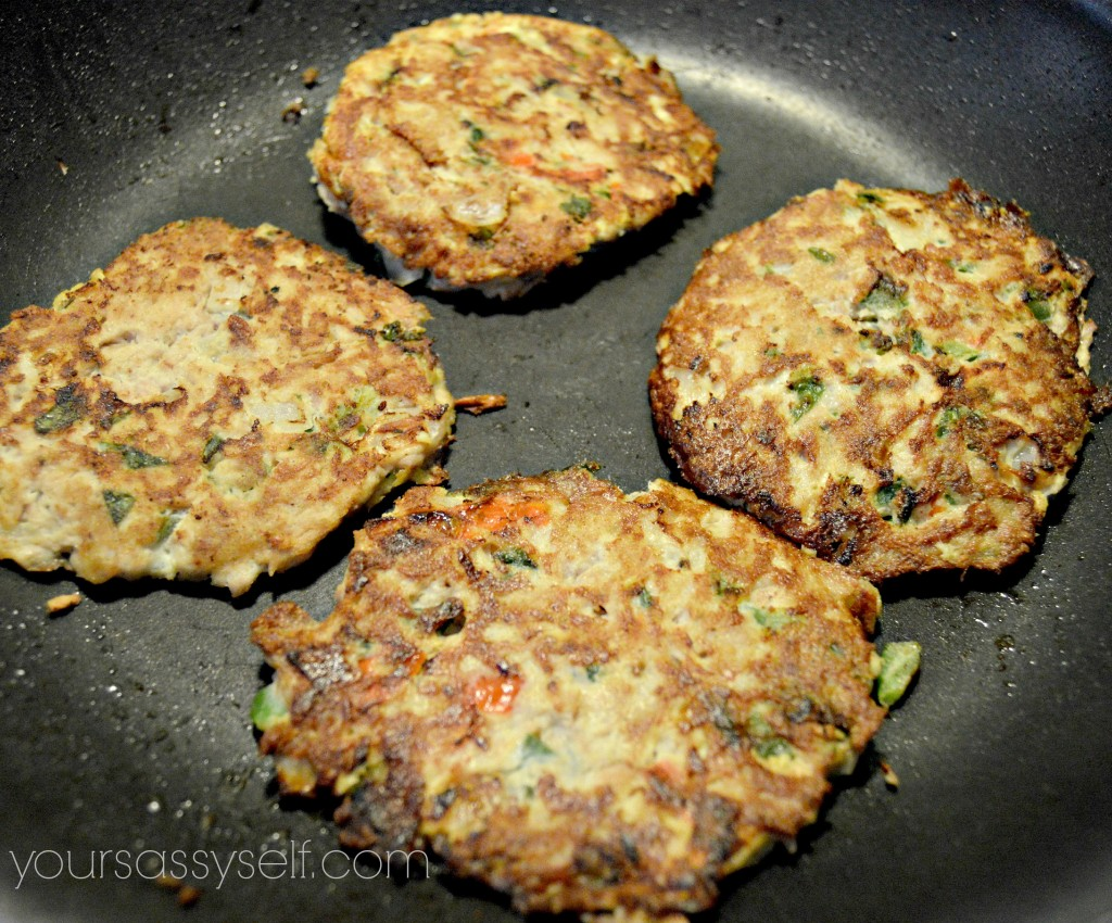 Cooked Tuna Cakes - yoursassyself.com