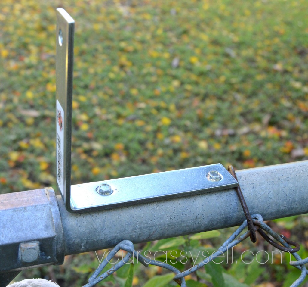 Roll Bar Fence L-bracket - yoursassyself.com