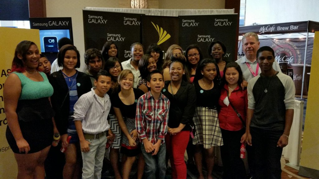 Aspira-Sprint Mobile Mentorship Program Participants at Hispz15