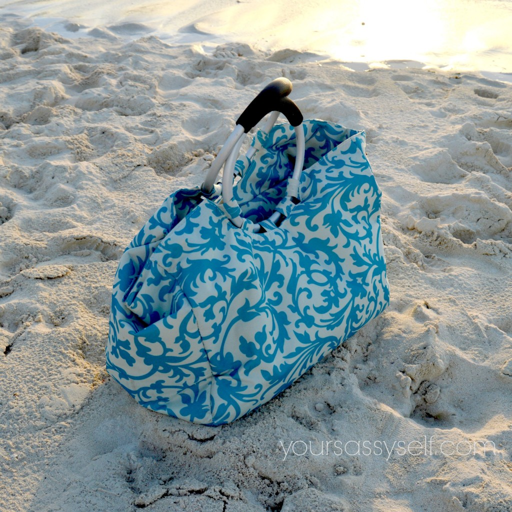 Aqua Print Travel Cooler - yoursassyself.com