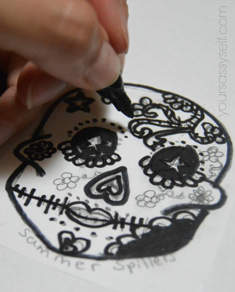 Filling in Dia de los Muertos Calavera - yoursassyself.com