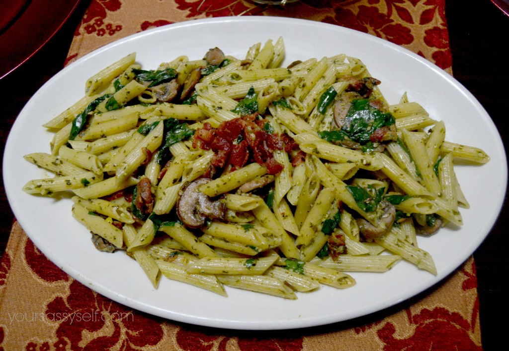 Bacon, Mushroom, Pesto Pasta - yoursassyself.com