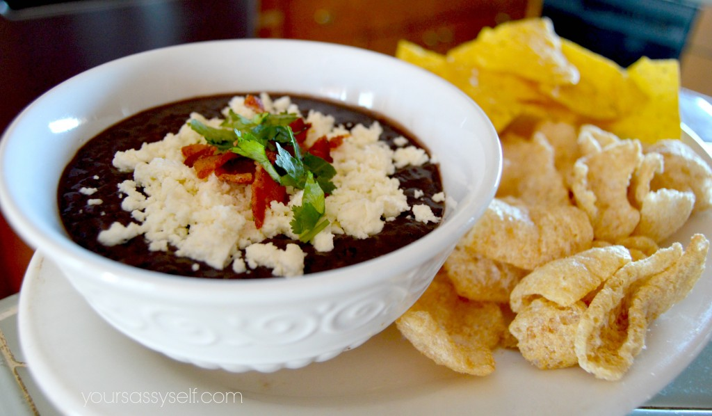 Black Bean Dip with Pork Rinds and Chips - yoursassyself.com