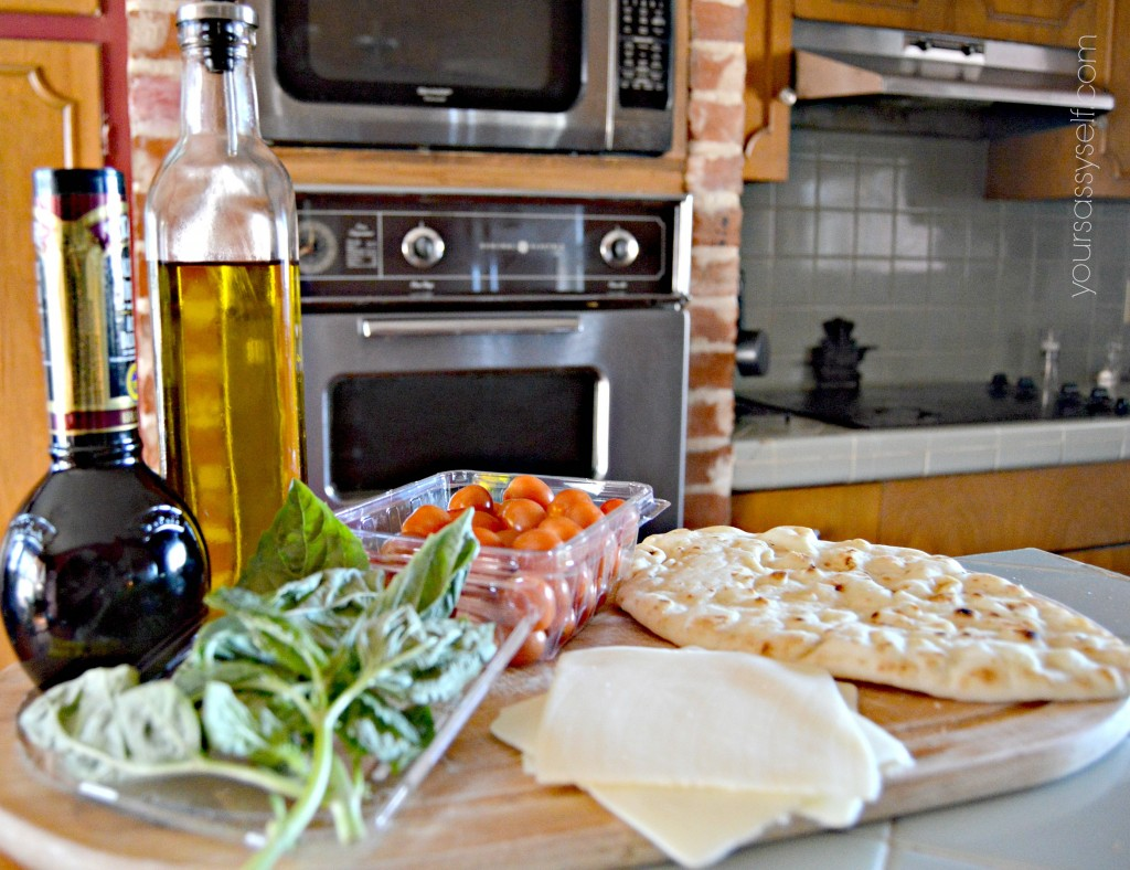Ingredients for Margherita Flatbread Pizza - yoursassyself.com