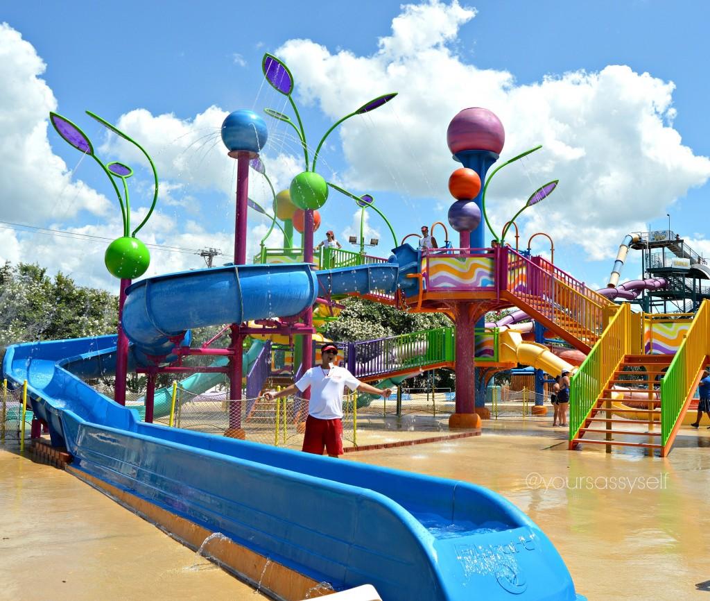 Cool Down This Summer at Splashtown - yoursassyself.com