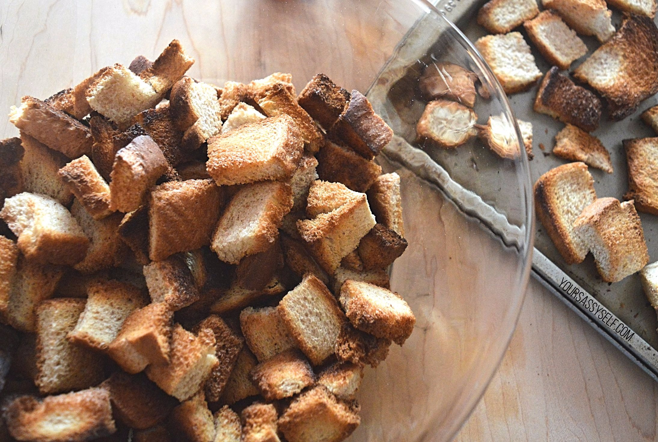 Toasted bread cubes - yoursssyself.com