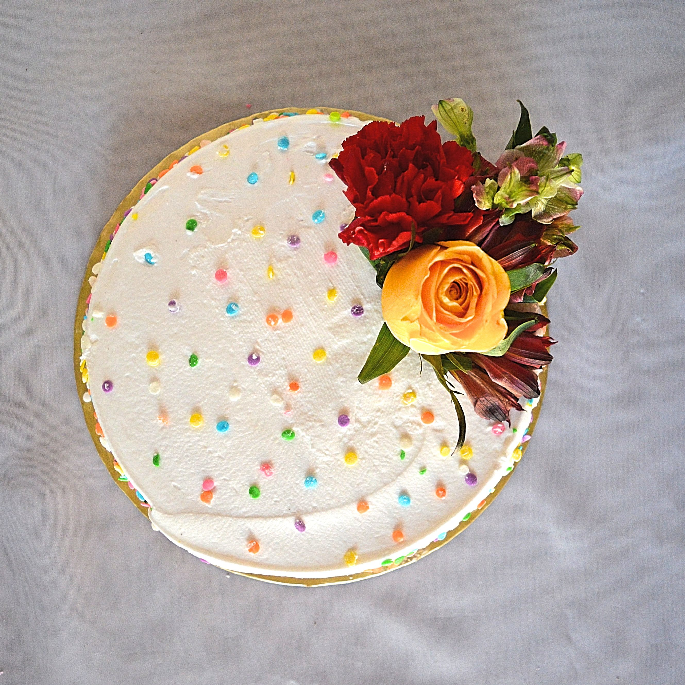 Fresh Summer Flower Cake - yoursassyself.com