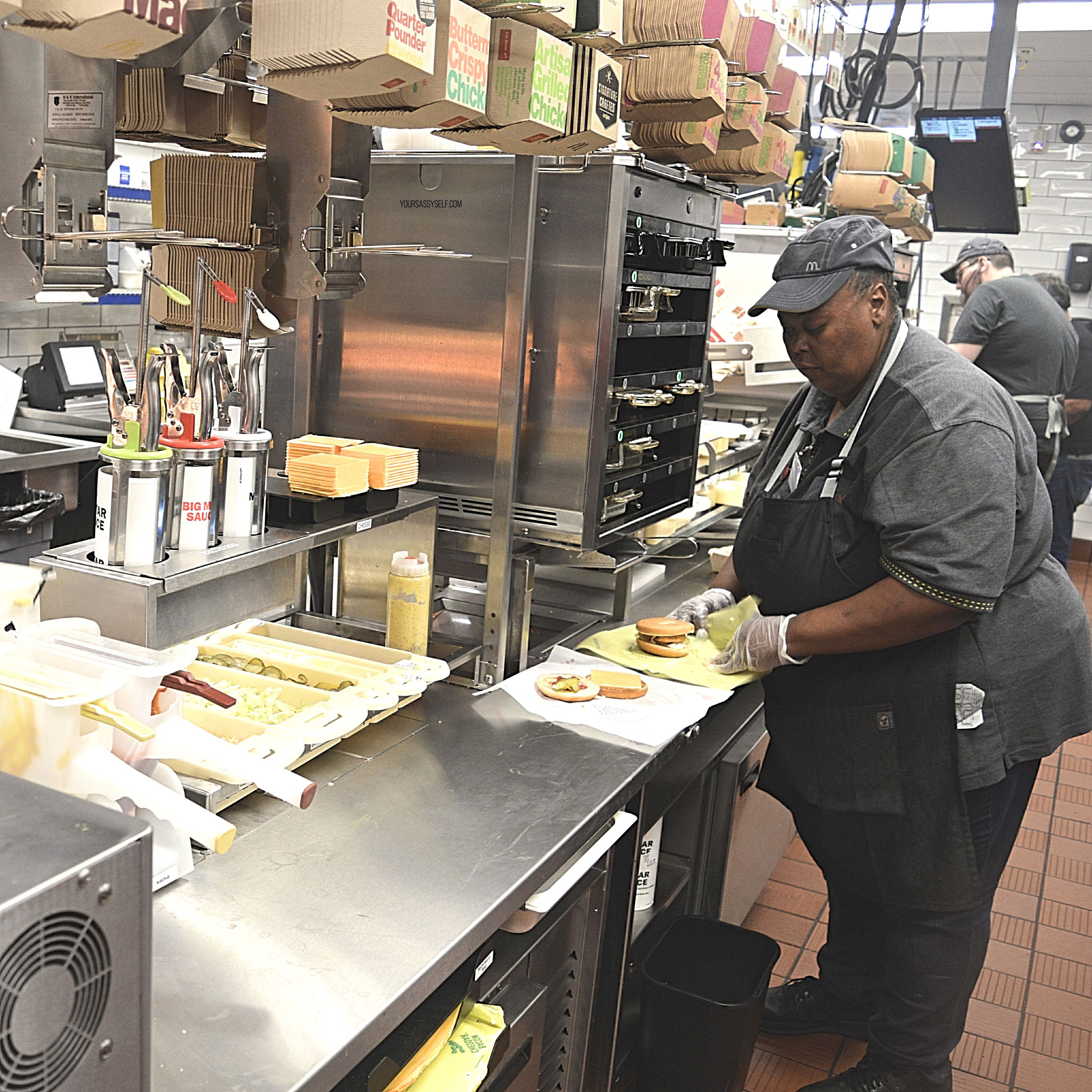 McDonald's Modernized Kitchen Assembly Line - yoursassyself.com