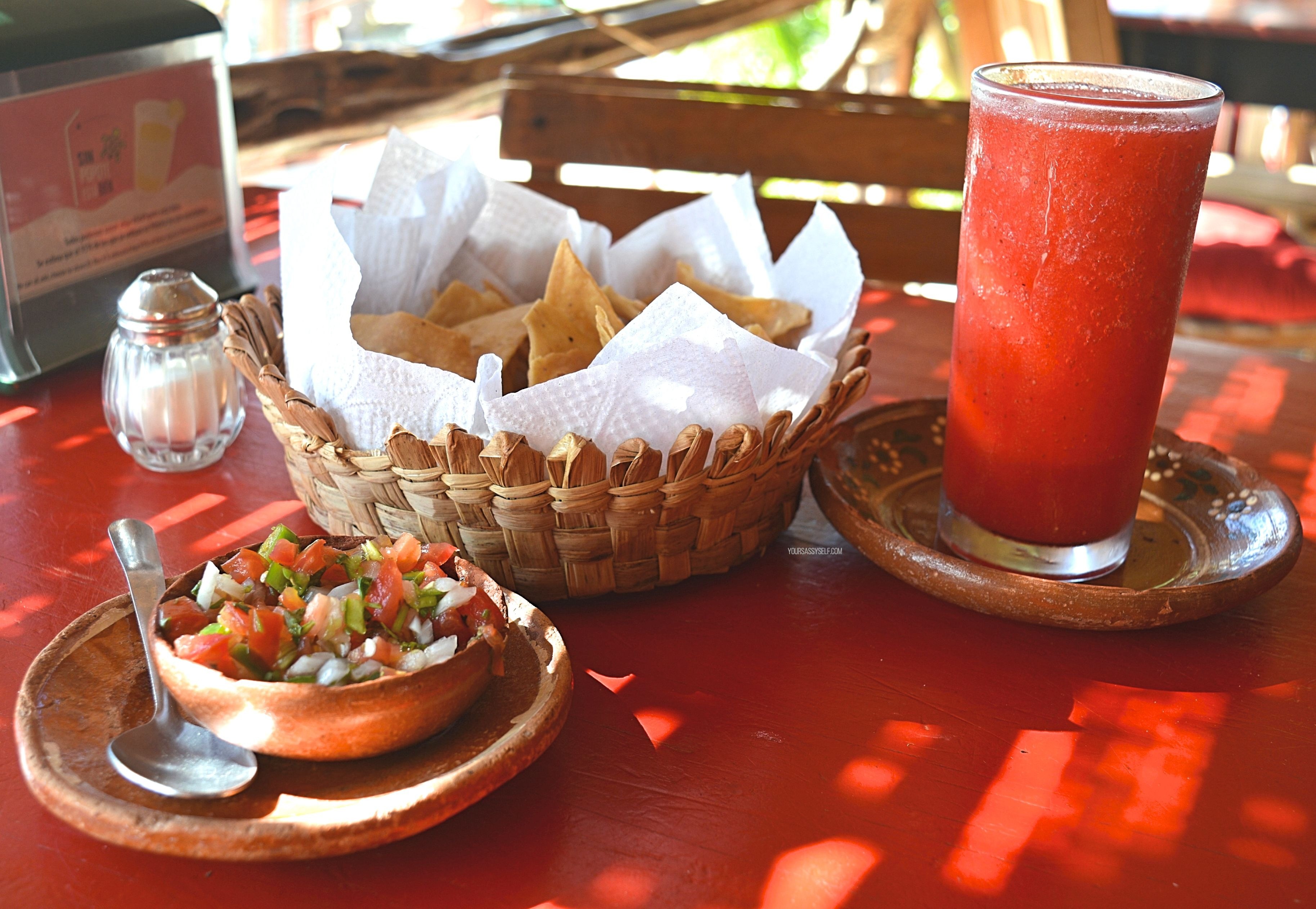 Chips salsa and strawberry daiquiri - yoursassyself.com