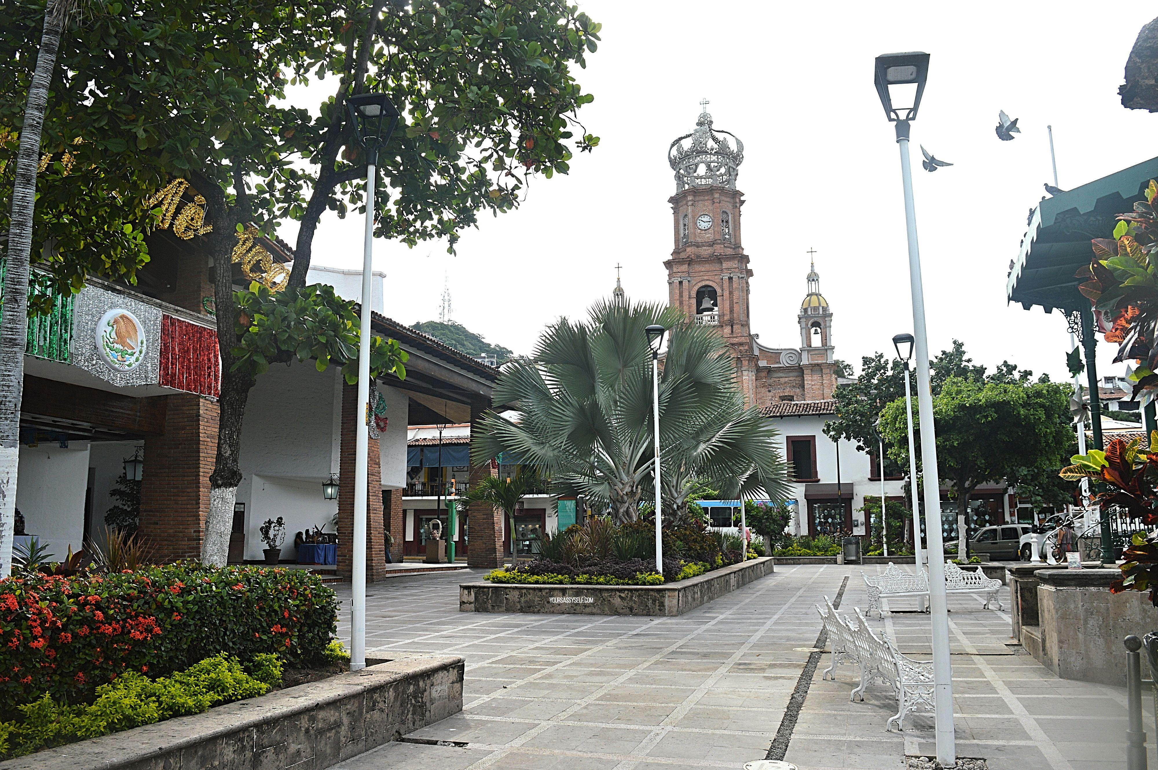 View of Parroquia de Nuestra Señora de Guadalupe from la Plaza de Armas - yoursassyself.com