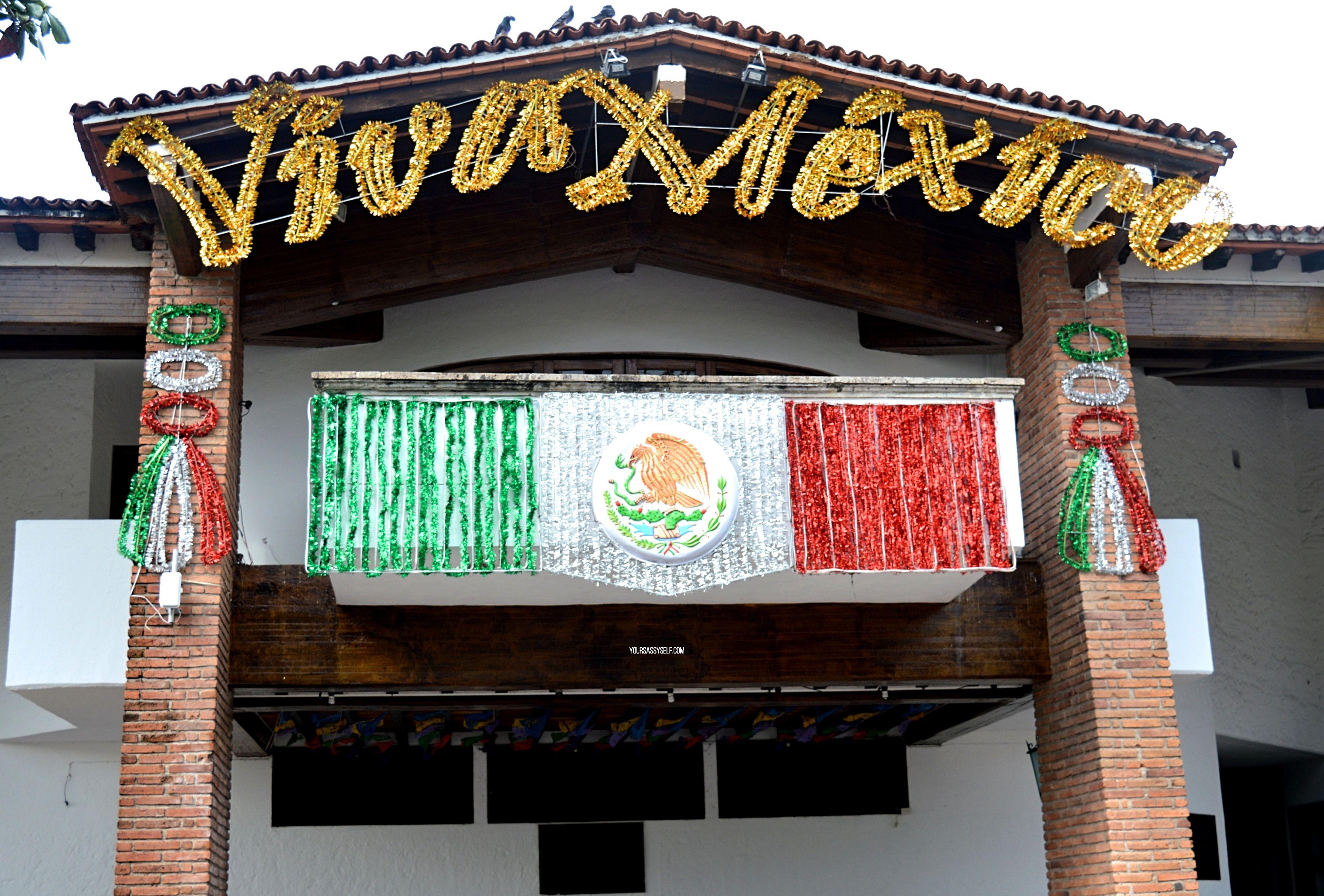 Viva Mexico banner - Puerto Vallarta - yoursassyself.com