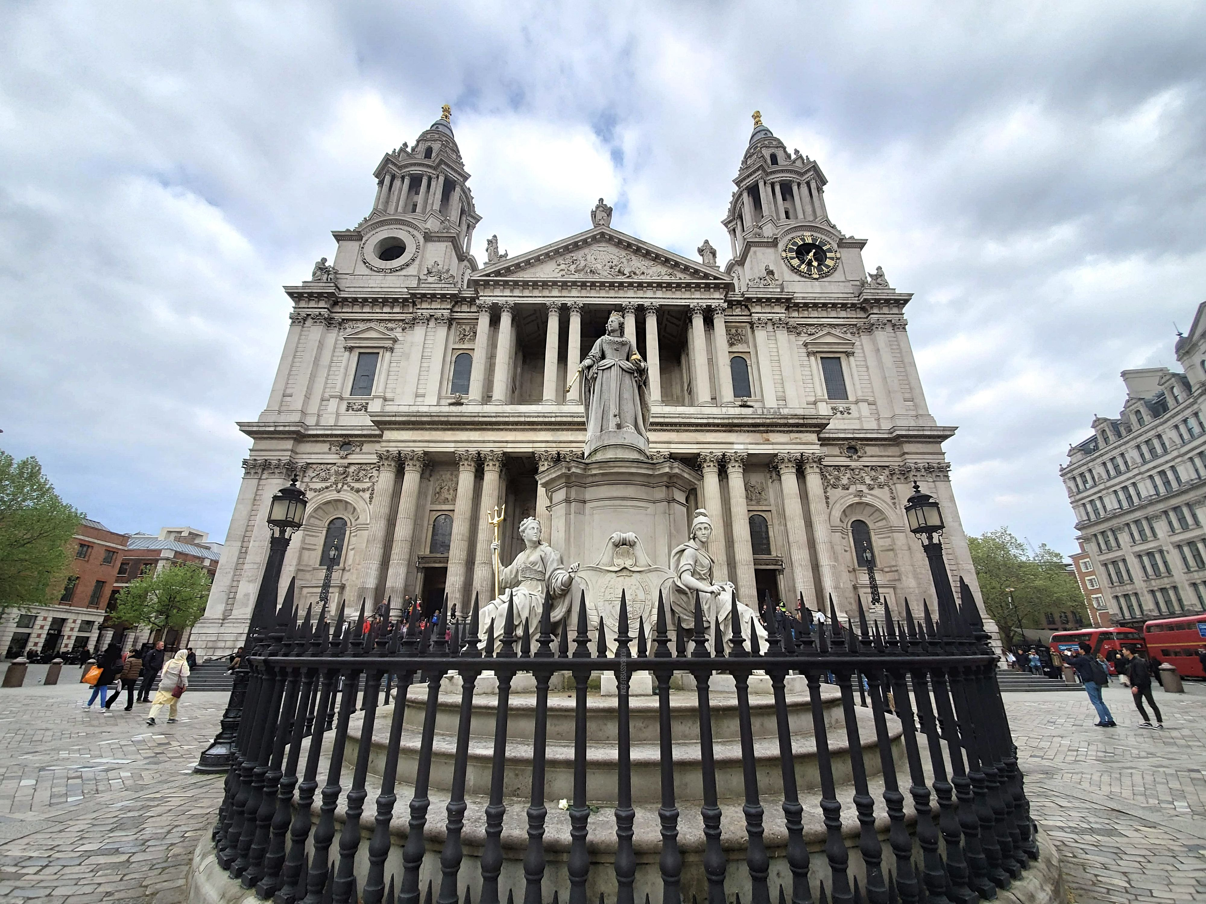 St Paul's Cathedral - yoursassyself.com