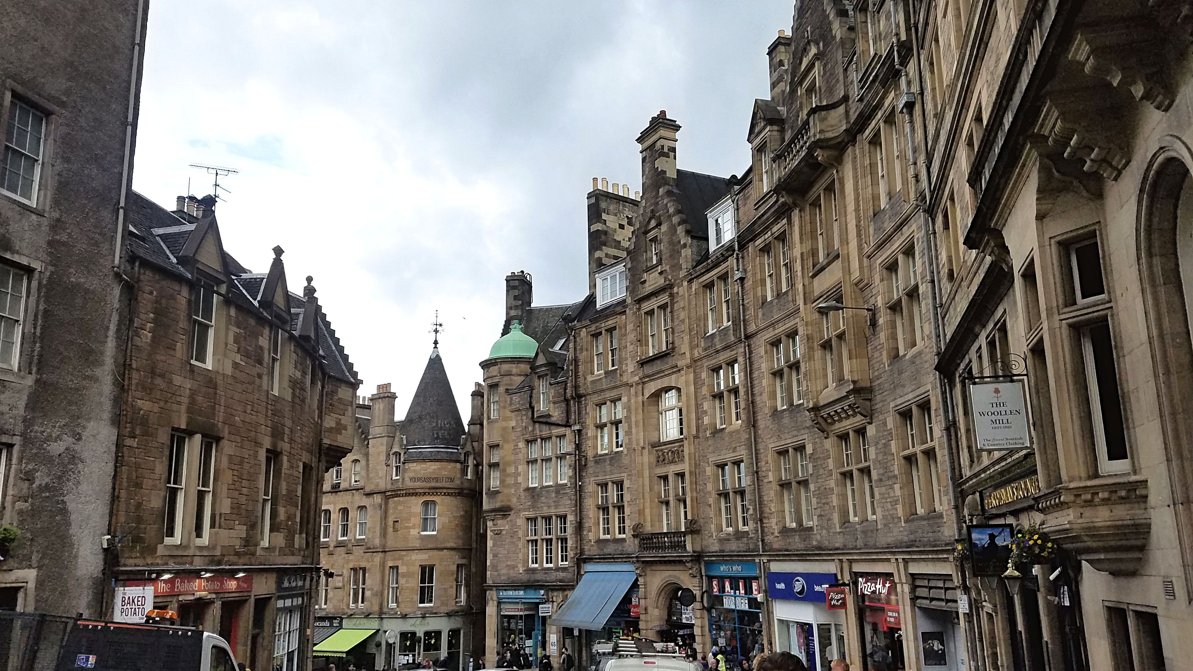 Edinburgh Royal Mile - yoursassyself.com
