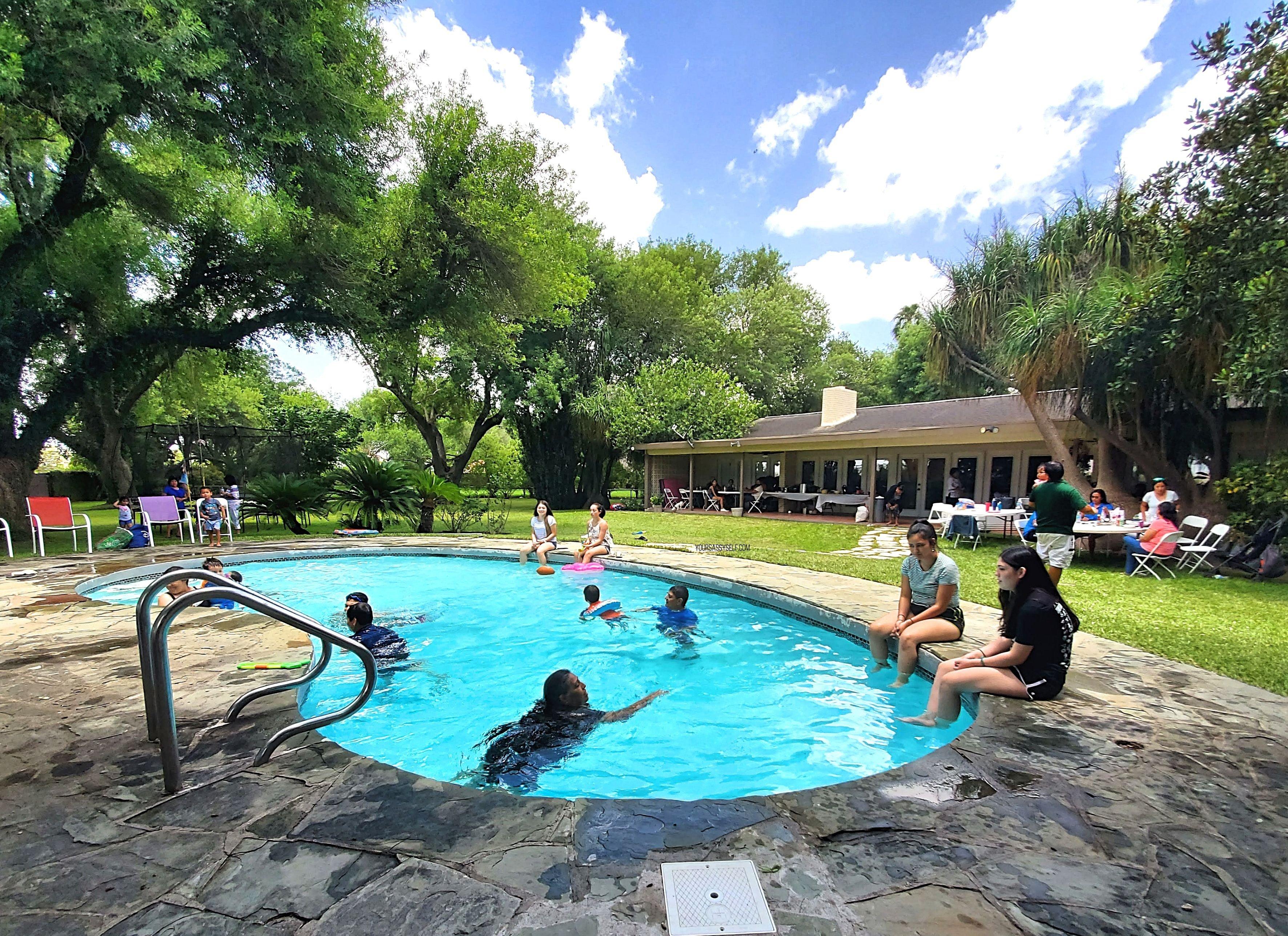 Poolside Family Fun - yoursassyself.com