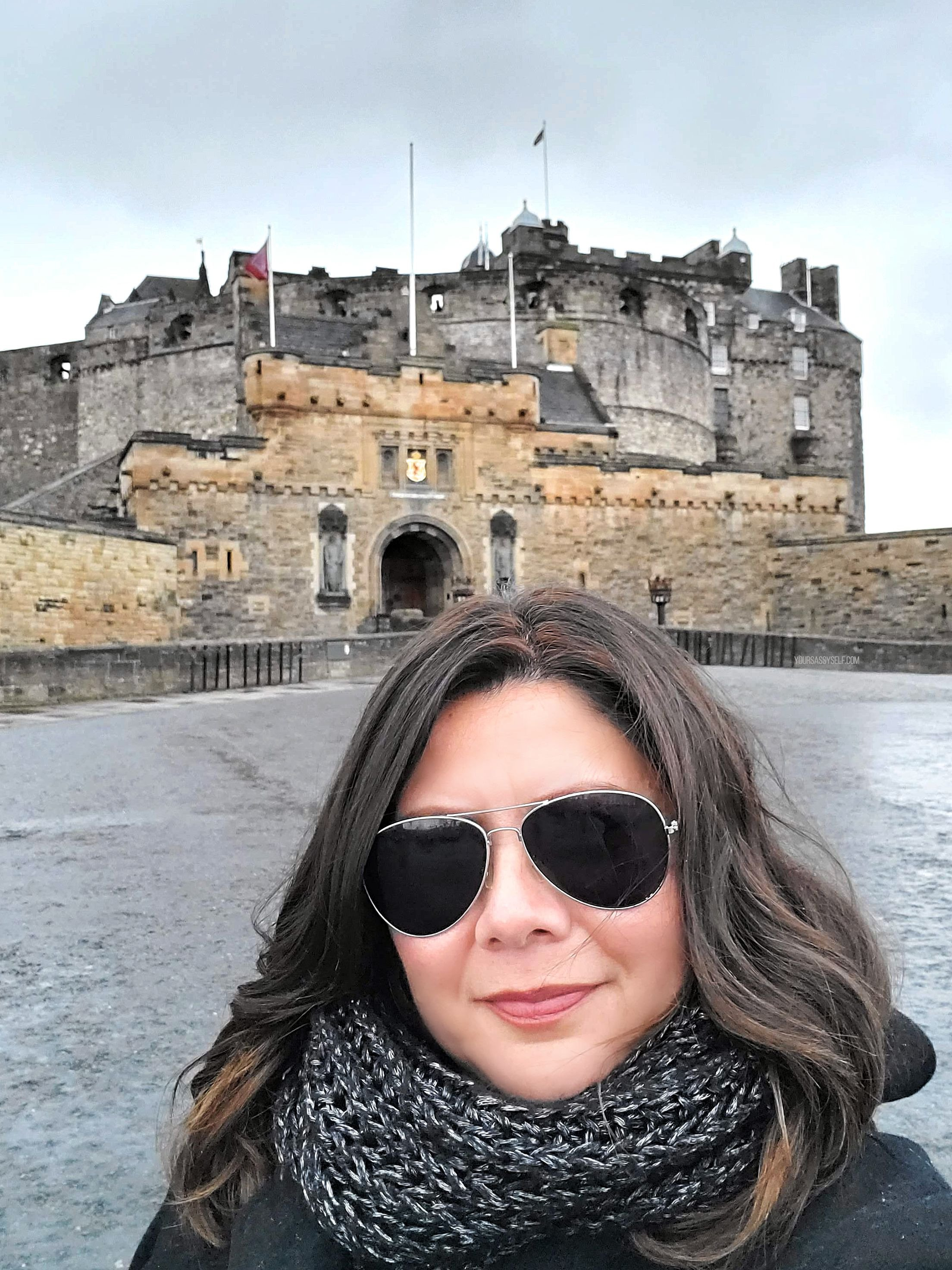 Your Sassy Self - Rocio at Edinburgh Castle - yoursassyself.com
