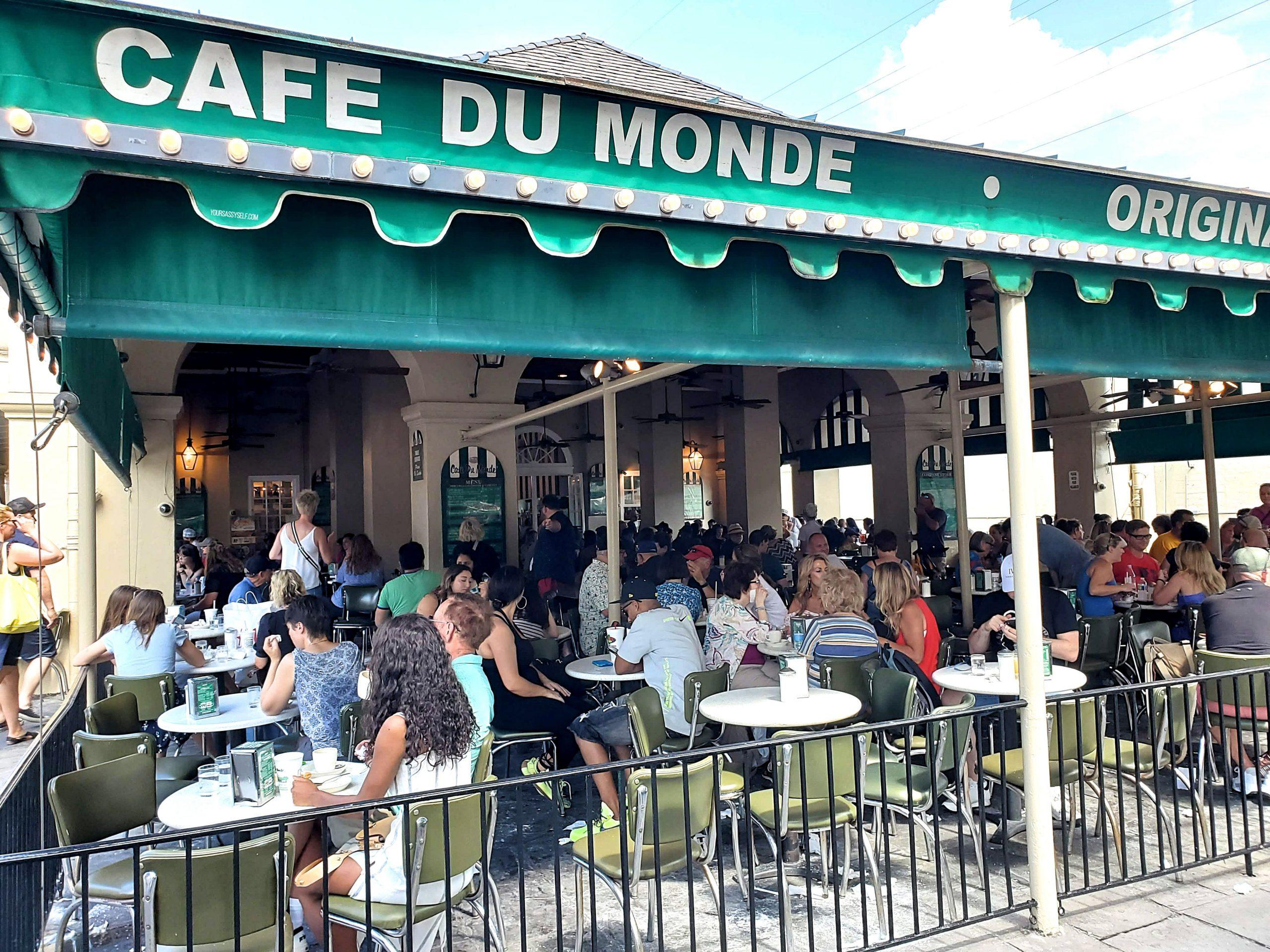 Café du Monde - yoursassyself.com