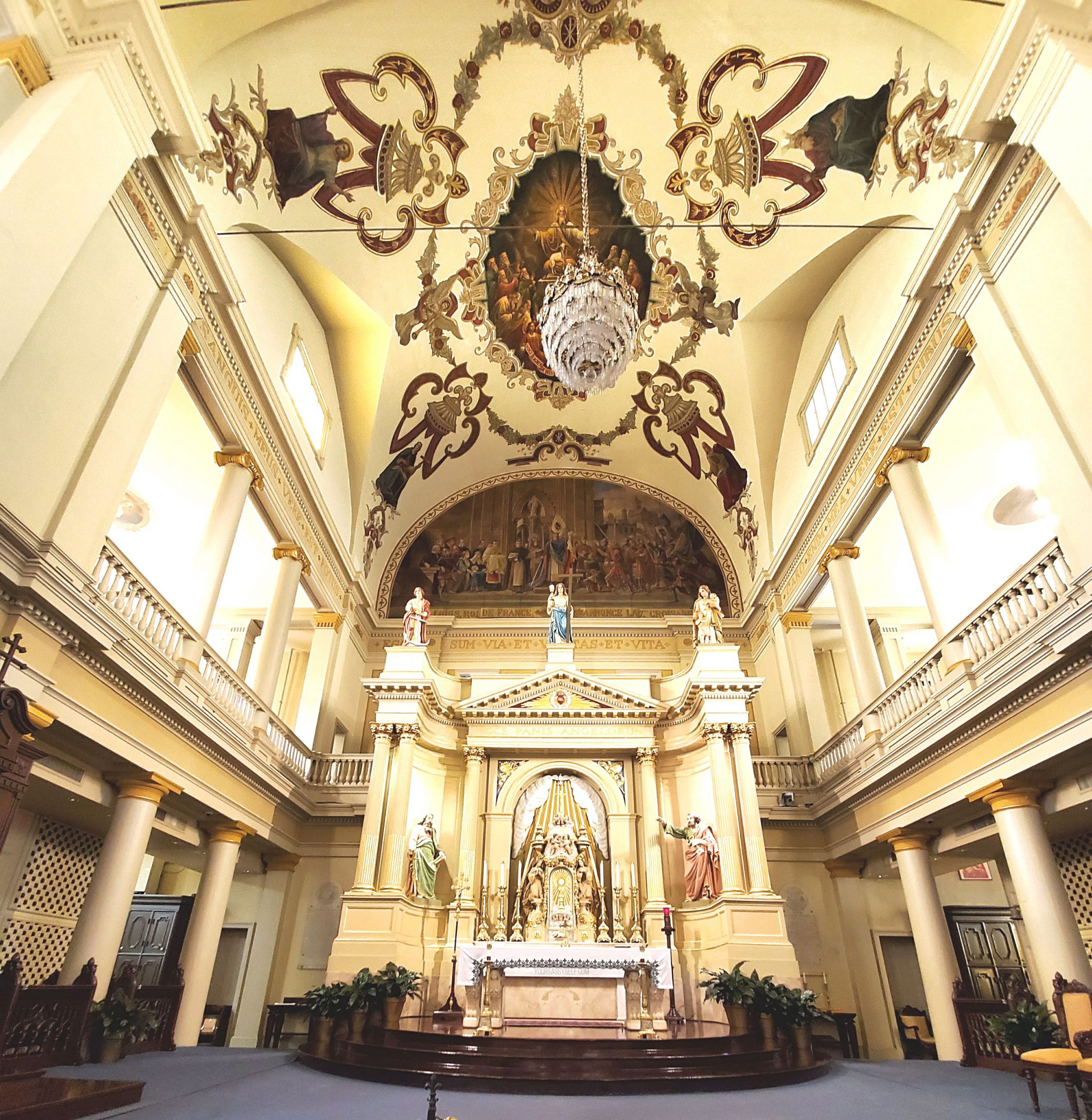 Inside St Louis Cathedral - yoursassyself.com