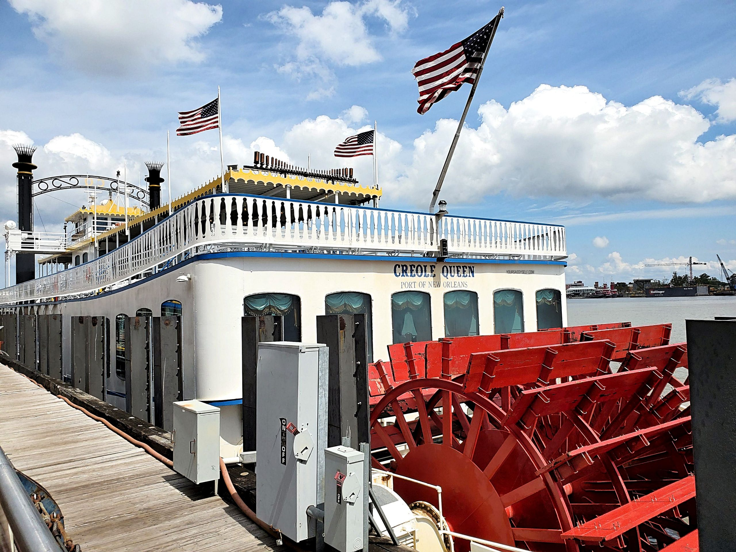 Paddlewheeler Creole Queen - yoursassyself.com