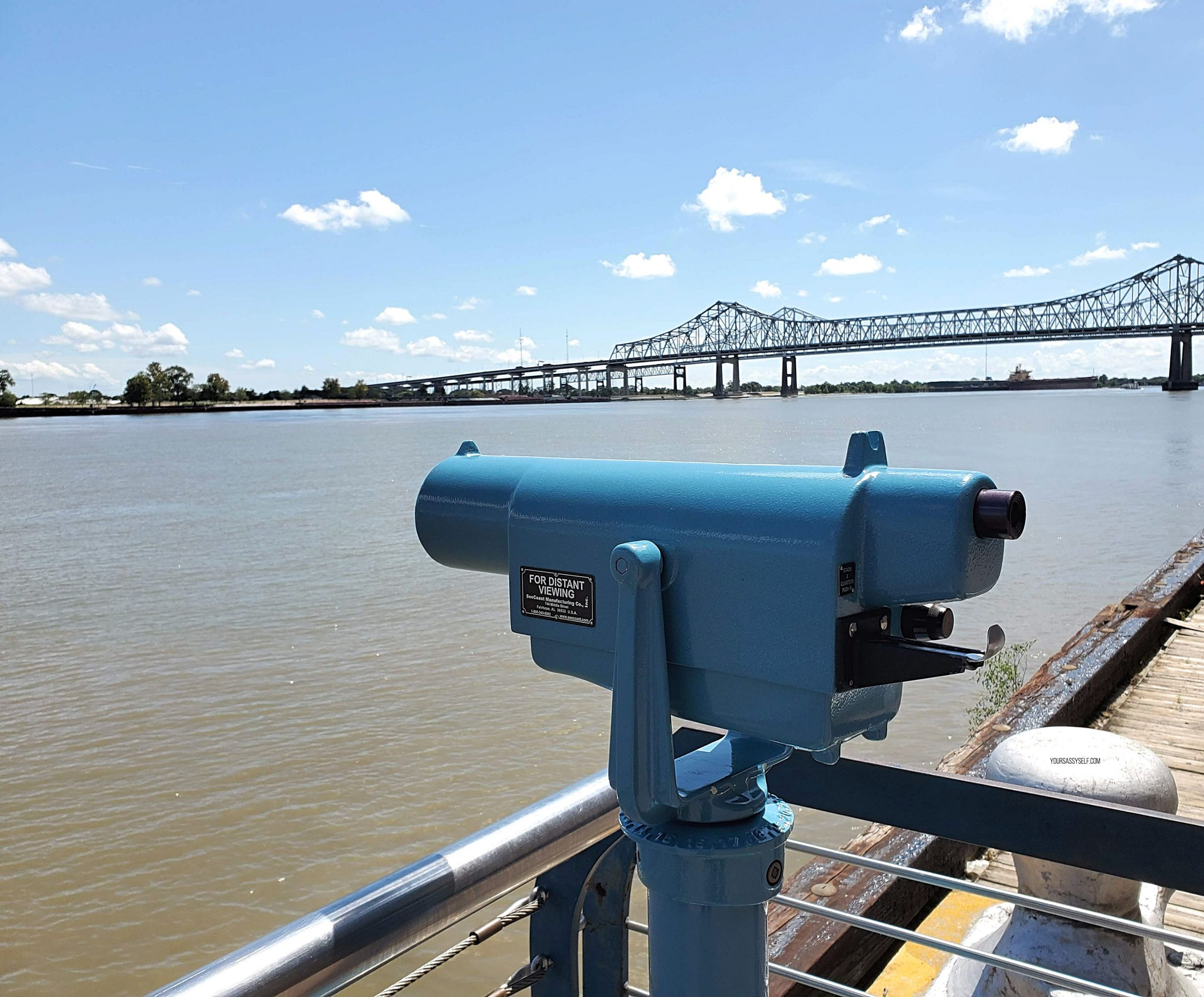 Telescope along the Mississippi - yoursassyself.com